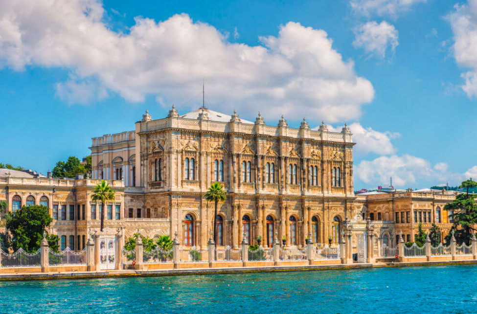 Discover Dolmabahce Palace!